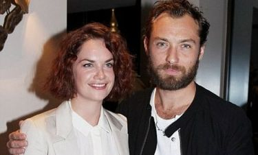 Ο Jude Law βρήκε... παρηγοριά στη Ruth Wilson