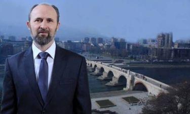 Ο δήμαρχος των Σκοπίων «ξαναβαφτίζει» δρόμους και γέφυρες