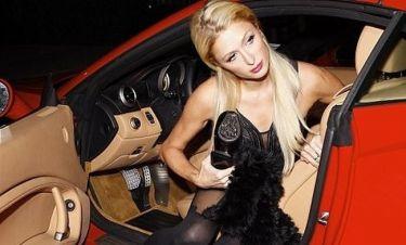 Paris Hilton: Βγαίνοντας από την Porsche