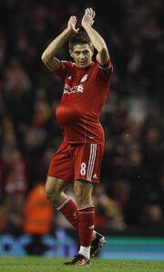 Ποιος ποδοσφαιριστής… εγκυμονεί;