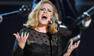 Ποιος έριξε την Adele από την κορυφή των Charts;