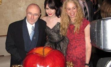 Lily Collins: Με το διάσημο μπαμπά της γιόρτασε τα γενέθλιά της