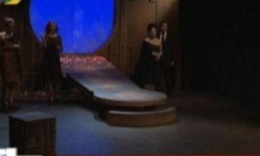 Άγριος καβγάς στα παρασκήνια θεατρικής παράστασης! Παραλίγο να τιναχτεί στον αέρα!