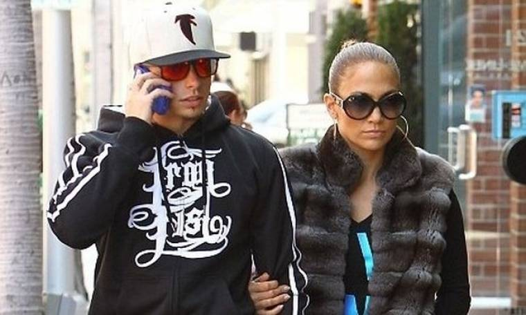 Jennifer Lopez: Βόλτα με τον αγαπημένο της! (φωτό)