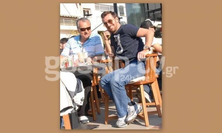 Θάνος Πετρέλης: Για καφέ με τον συνεργάτη του