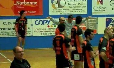 Έλληνας αθλητής χορεύει… συρτάκι στο γήπεδο και ξεσηκώνει το κοινό!