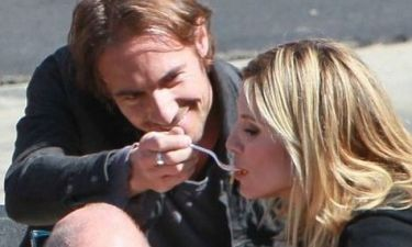 Ποιος ταΐζει στο στόμα τη Heidi Klum;