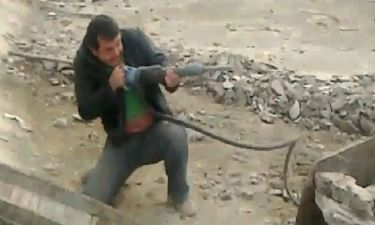 VIDEO: Απίστευτη ταινία δράσης, με ήρωες τους εργάτες σε οικοδομή