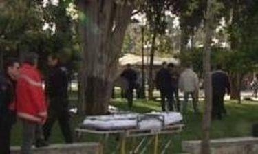 ΕΚΤΑΚΤΟ: Αυτοκτόνησε στην Πλατεία Συντάγματος!