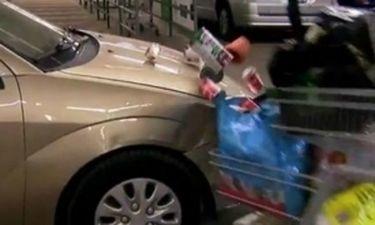 Απίστευτη φάρσα: Το καροτσάκι σου προκάλεσε τροχαίο! (video)