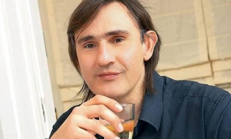Άκης Σακελλαρίου: «Ο κόσμος έχει ανάγκη από ελληνική μυθοπλασία και όχι από τούρκικα»