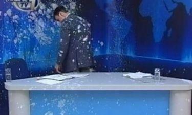 VIDEO: Εισέβαλαν στο στούντιο του Ήπειρος TV και γιαούρτωσαν τον παρουσιαστή