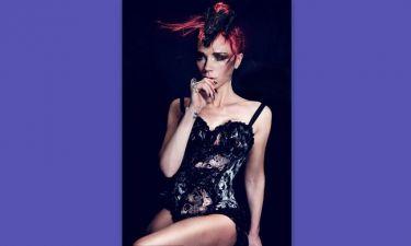 Η Victoria Beckham στα κόκκινα