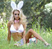Courtney Stodden: Ντύθηκε λαγουδάκι