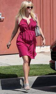 Στα φούξια η εγκυμονούσα Reese Witherspoon