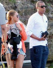 Beyonce: Τα έχει πάρει τα κιλάκια της! (Φωτό)