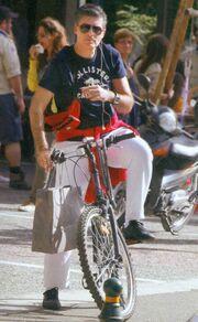 Στεφανίδου-Ευαγγελάτος: Οικογενειακή βόλτα με τα ποδήλατα