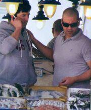 Ο Σάκης στην ψαραγορά