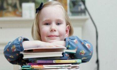 H 4χρονη που έχει σχεδόν το ίδιο ΙQ με τον Stephen Hawking και τον Einstein!