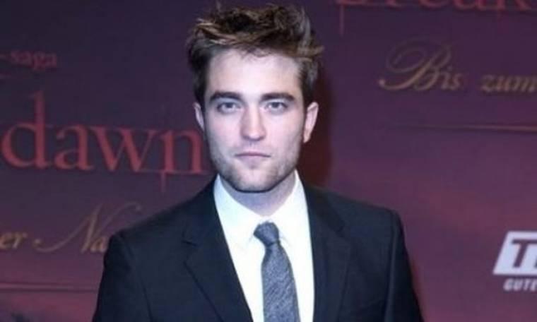O Robert Pattinson πιστεύει ότι είναι χοντρός
