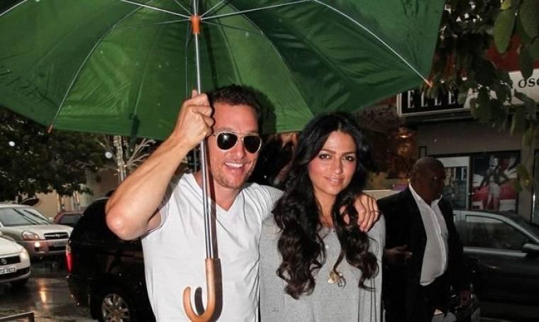 Matthew McConaughey-Camila Alves: Στο βροχερό Σάο Πάολο