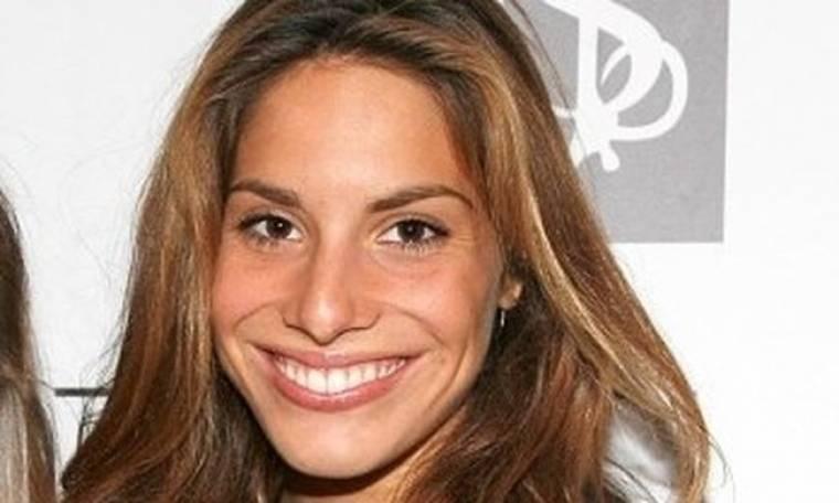 Έφη-Κατρίν Βρακά: «Ο Οscar de la Renta μου ζήτησε να δείξω νυφικά του στη Νέα Υόρκη»