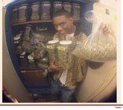 Γνωστός ράπερ φωτογραφήθηκε με μαριχουάνα!