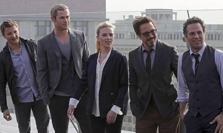Scarlett Johansson: Σέξι ακόμη και με κοστούμι