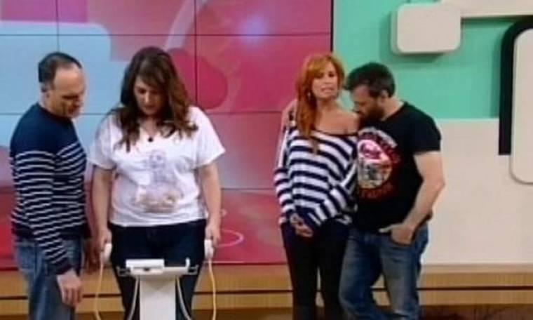 Η Κατερίνα Ζαρίφη κάνει λιπομέτρηση on air