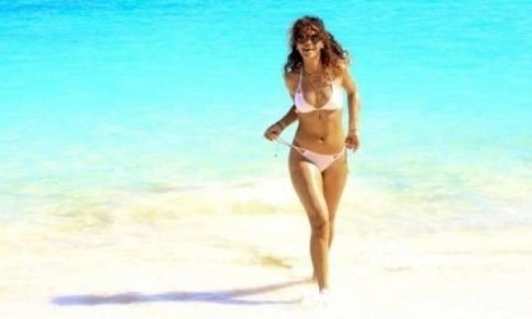 Rihanna: Γυμνή στη Hawai