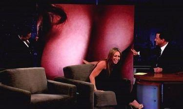 Το στήθος της Jennifer Love Hewitt στη γιγαντοοθόνη του Jimmy Kimmel