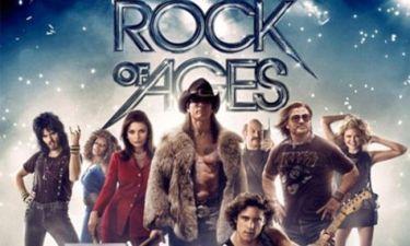 Ο Tom Cruise και οι κοιλιακοί του στο πόστερ του Rock Of Ages