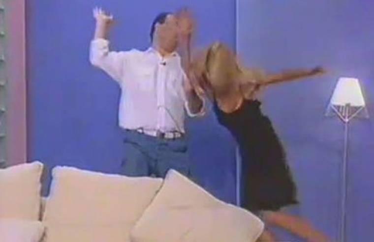 Απίστευτο Video: Όταν η Μενεγάκη «έτρωγε μπάτσες» στον αέρα!!! (Nassos Blog)