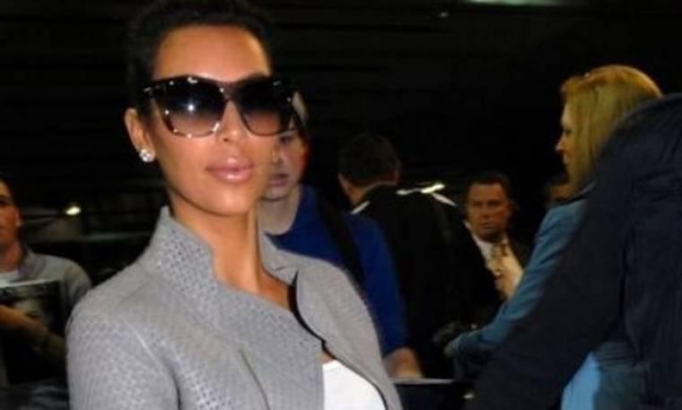 Kim Kardashian, σαν να το παράκανες με το spray tan