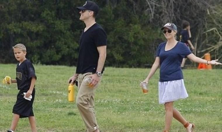 Reese Witherspoon: Κυριακάτικη βόλτα με την οικογένεια της
