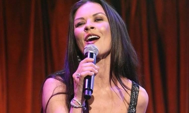 Catherine Zeta Jones: Τραγουδίστρια για μια βραδιά