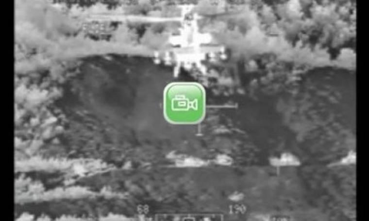 VIDEO:Νυχτερινές βολές από κινούμενα ελικόπτερα APACHE (Aπάτσι)