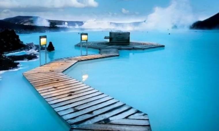 Η μαγική γαλάζια λίμνη