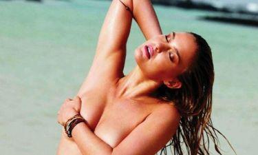 Bar Refaeli: Topless στο Elle