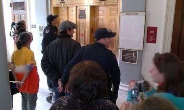 Ο Noah Wyle και η σύλληψή του