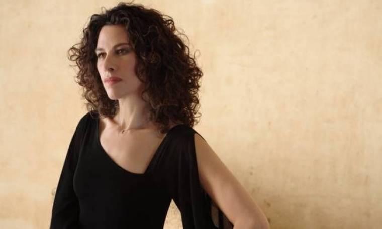Ελευθερία Αρβανιτάκη: «Κι εγώ αναρωτιέμαι γιατί πέρασε τόσος πολύς καιρός για να βγει τραγούδι μου»