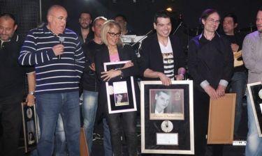 Γιώργος Δασκαλάκης: Απονομή πλατινένιου δίσκου με λαμπερούς καλεσμένους