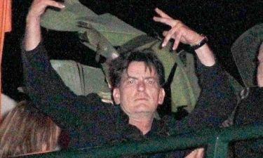 Charlie Sheen: Άρχισε τις εξόδους;