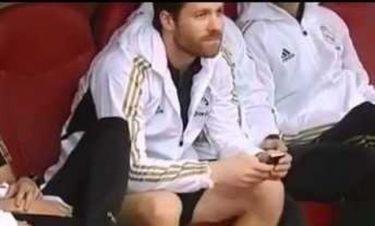 Ο Τσάμπι Αλόνσο ενημερώνει τον Μουρίνιο για το FA Cup