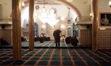 Γέμισε τζαμιά η κατεχόμενη Κύπρος