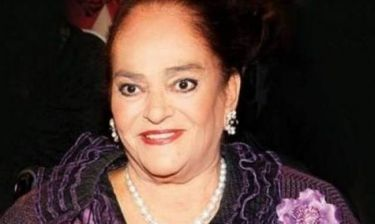 Πλήθος κόσμου αποχαιρετά την Μαρίκα Μητσοτάκη