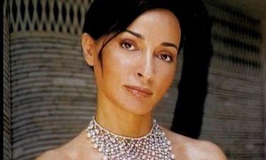 Βίκυ Σταμάτη: Το φόρεμα των 10.000 ευρώ και το διαμάντι στο χέρι