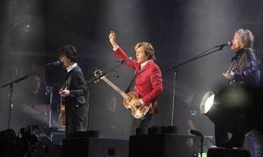 Ο Paul McCartney στη σκηνή και πάλι