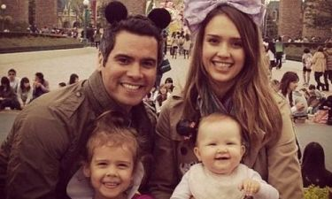 Video: Η Jessica Alba και η συγκίνησή της με τα παιδιά της