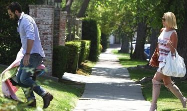 Katherine Heigl: Η πρώτη βόλτα με το νέο της μωρό